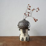 陶器のアメリカバイソンの花器