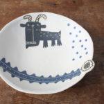 陶器のヤギのプレート